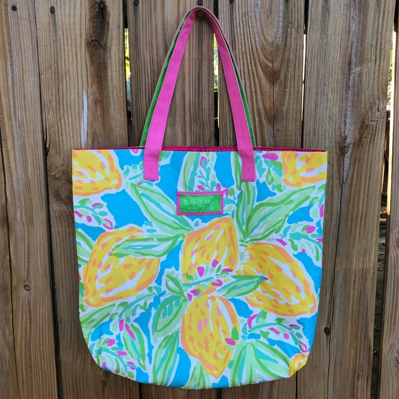 Lilly Pulitzer Handbags - Lilly Pulitzer Estée Lauder Tote Bag